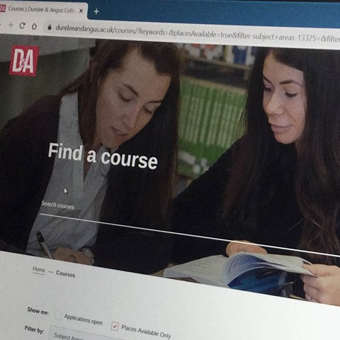 D&A website course search on laptop screen